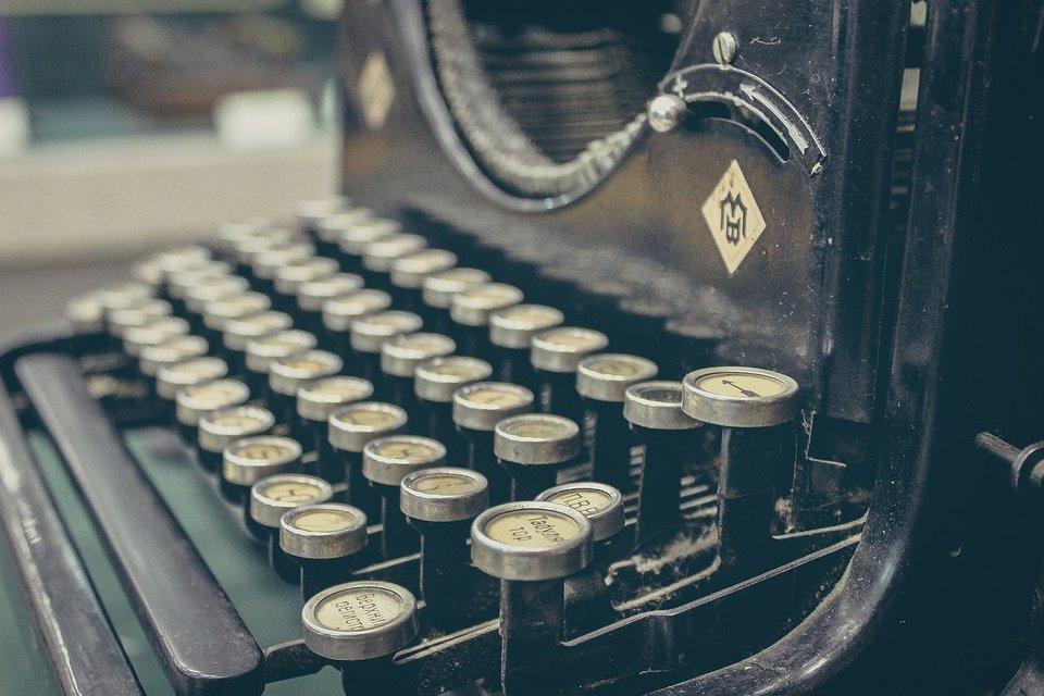 rsz_typewriter-407695_1280
